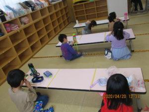 市名坂児童館の昼食風景